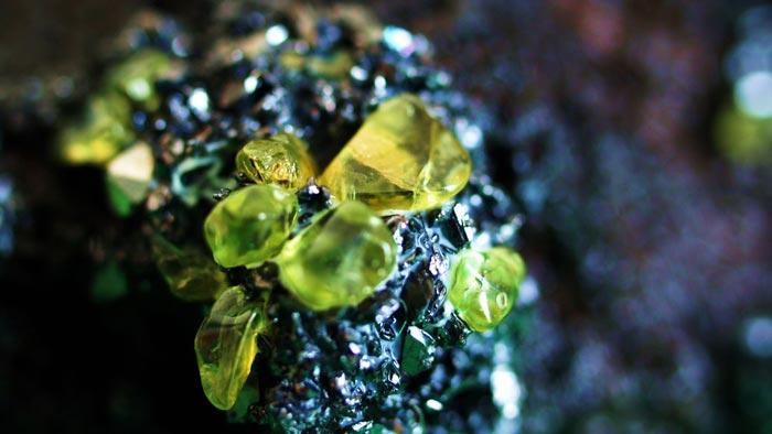 зеленый хризолит