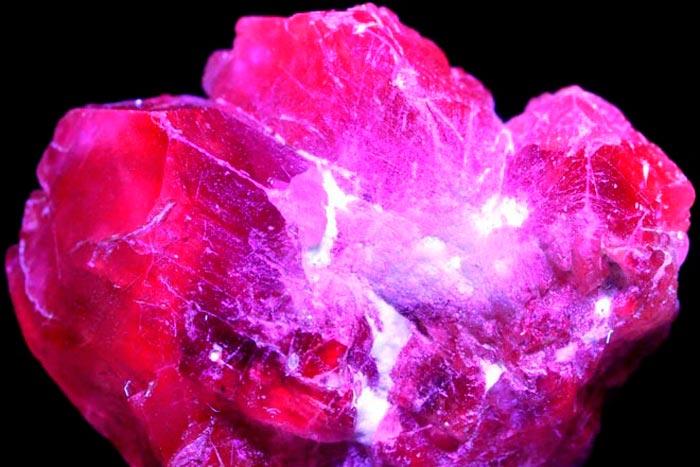 фиолетовый хризоберилл