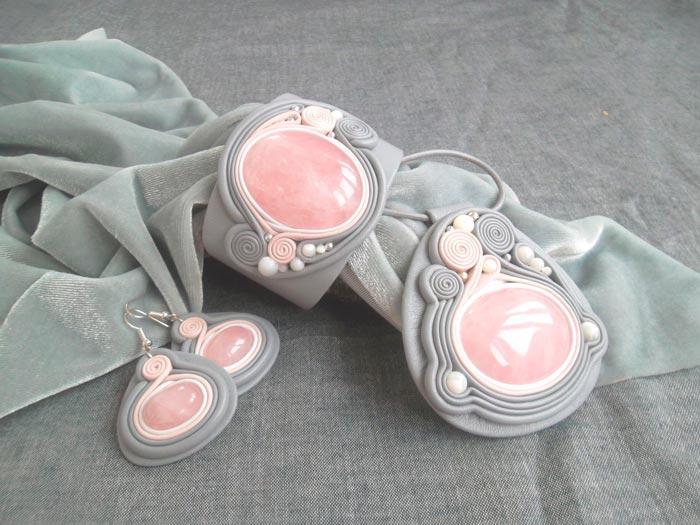 розовый кварц украшения