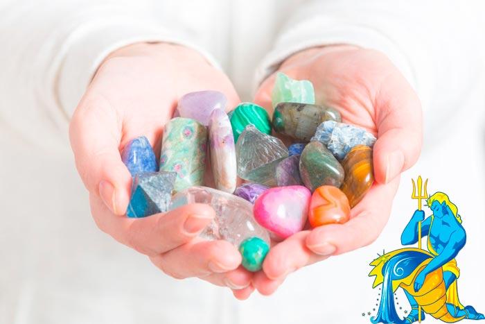 Водолей знак зодиака камень талисман женщина