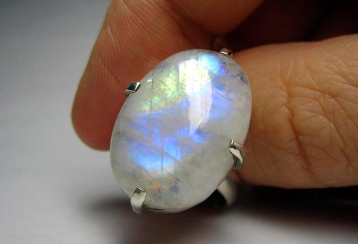 кольцо с адуляром