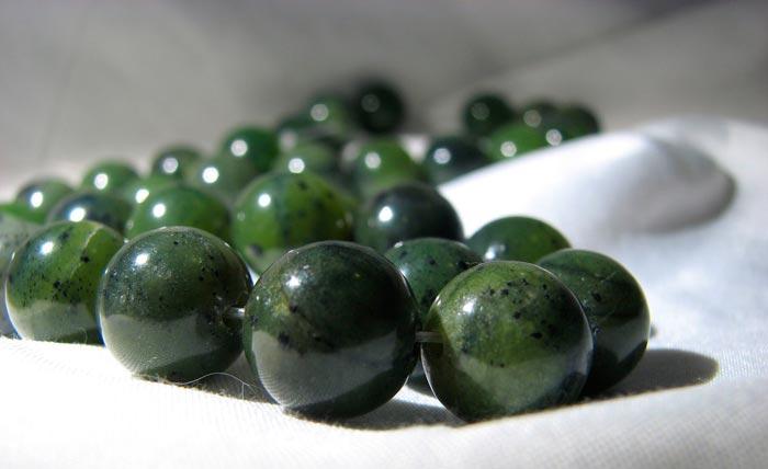 Камень нефрит: свойства, фото, кому подходит по знаку зодиака