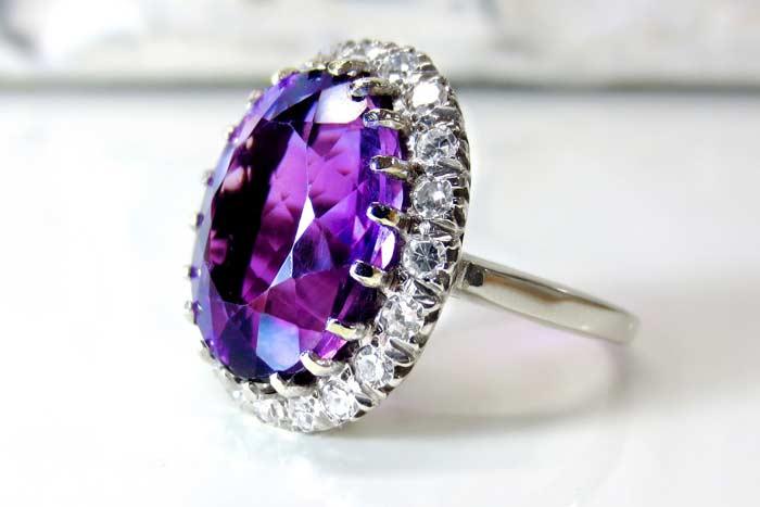 с алмазом